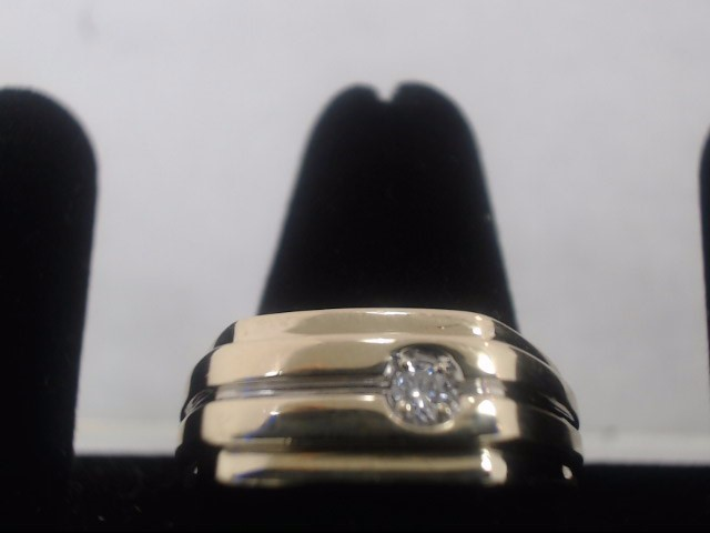 Gent's Diamond Solitaire Ring .10 CT. 10K Yellow Gold 4.8g