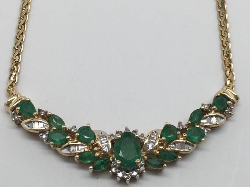 FASHION DIAMOND & EMERALD NECKLACE 14K YELLOW GOLD