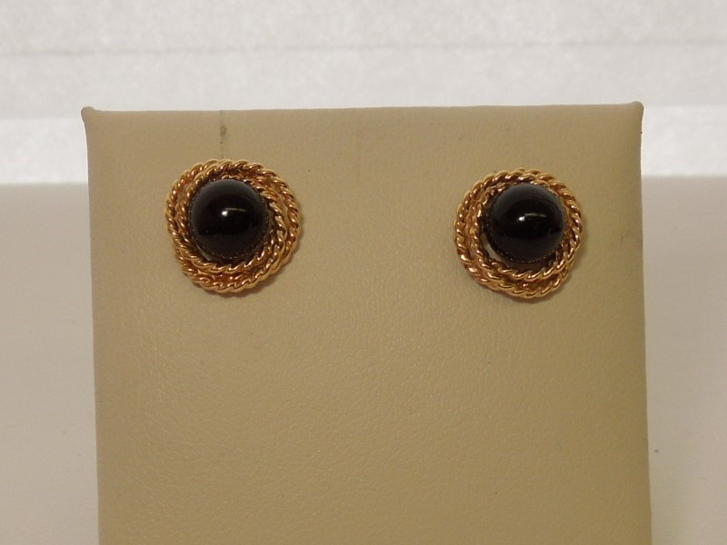 Synthetic Onyx Gold-Stone Earrings 10K Yellow Gold 2.5g