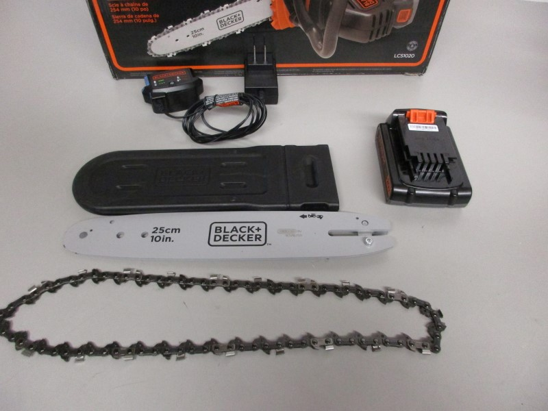 BLACK&DECKER LCS1020 20v MAX CHAINSAW