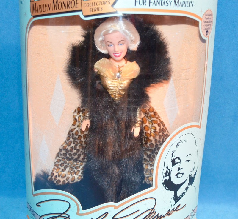 MARILYN MONROE  Doll 07408 FUR FANTASY MARILYN