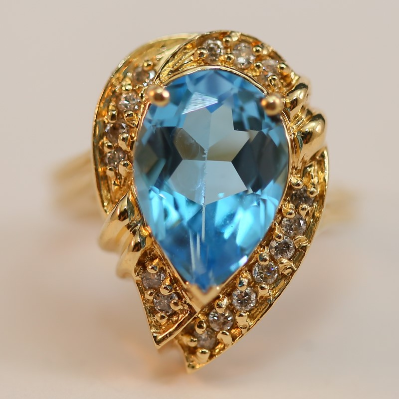 Unique 14K Yellow Gold Blue Topaz & Diamond Statement RIng Size 6