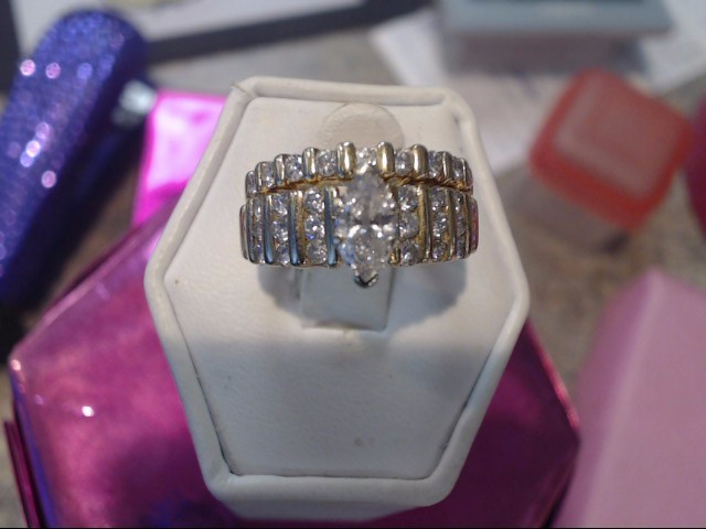 Lady's Diamond Wedding Set 31 Diamonds 1.40 Carat T.W. 14K Yellow Gold 5.15dwt