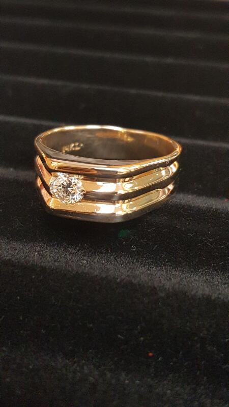 Gent's Diamond Solitaire Ring .25 CT. 14K Yellow Gold 5.7dwt