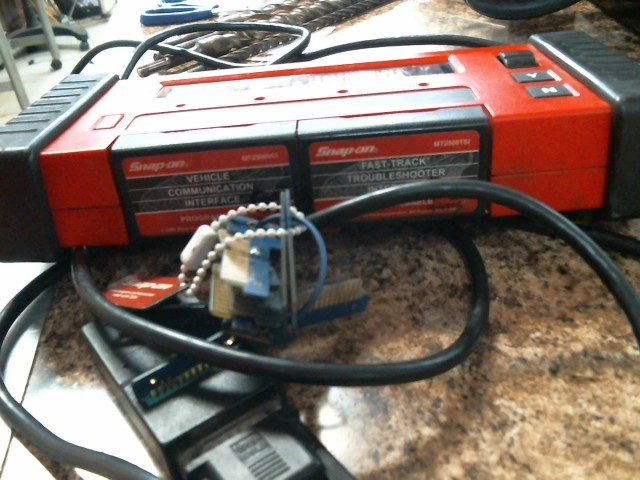 SNAP ON Diagnostic Tool/Equipment MT2500 SCANNER