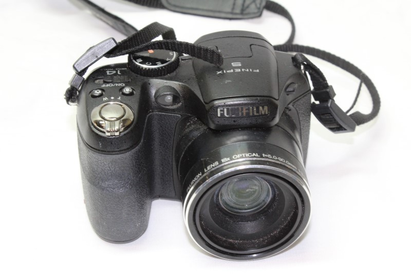 FUJIFILM Digital Camera FINEPIX S2940 WM