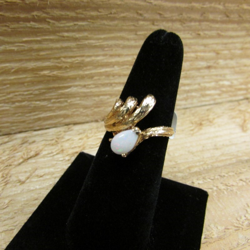 Synthetic Opal Lady's Stone Ring 14K Yellow Gold 4.6g Size:6