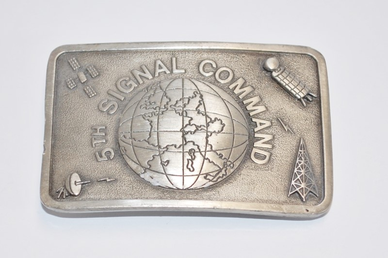 5TH SIGNAL COMMAND BELT BUCKLE NO. 658 OF 1000