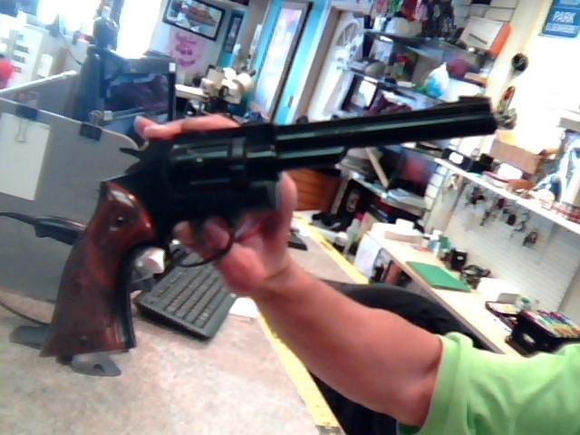 CROSMAN Air Gun/Pellet Gun/BB Gun 38T/.177 PELLET PISTOL