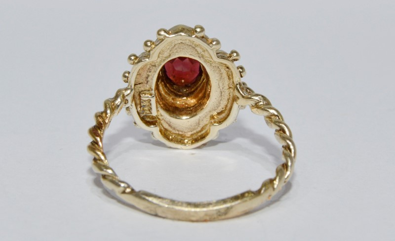 14K Yellow Gold Vintage Inspired Ornate Milgrain & Twisted Band Garnet Ring 7.5