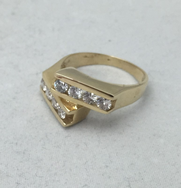 Lady's Diamond Cluster Ring 8 Diamonds .40 Carat T.W. 14K Yellow Gold 2.5dwt