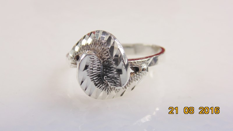 LADIES SILVER RING S925 3.1G SZ7.5