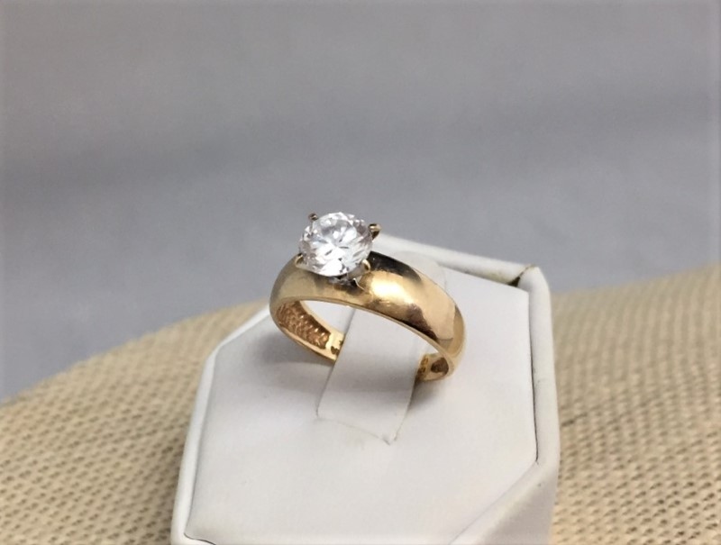 Gorgeous 10K Yellow Gold Solitaire Round 1.0 Carat Cubic Zirconia 2.67G (Size 7)