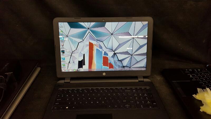 HEWLETT PACKARD Laptop/Netbook HP 15-RTL8188EE