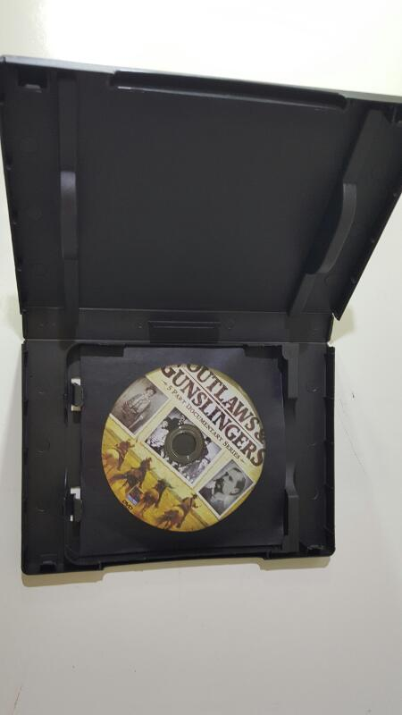 DVD BOX SET DVD OUTLAWS & GUNSLINGERS