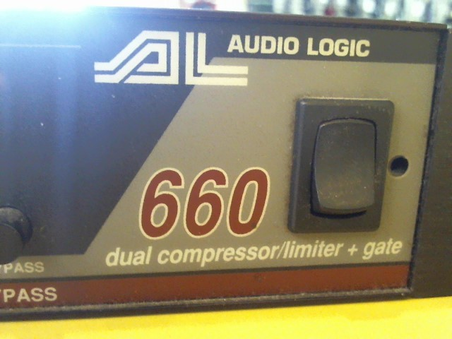 AUDIO LOGIC COMPRESSOR-LIMITER BOUGHT HERE S\3660227 M\660