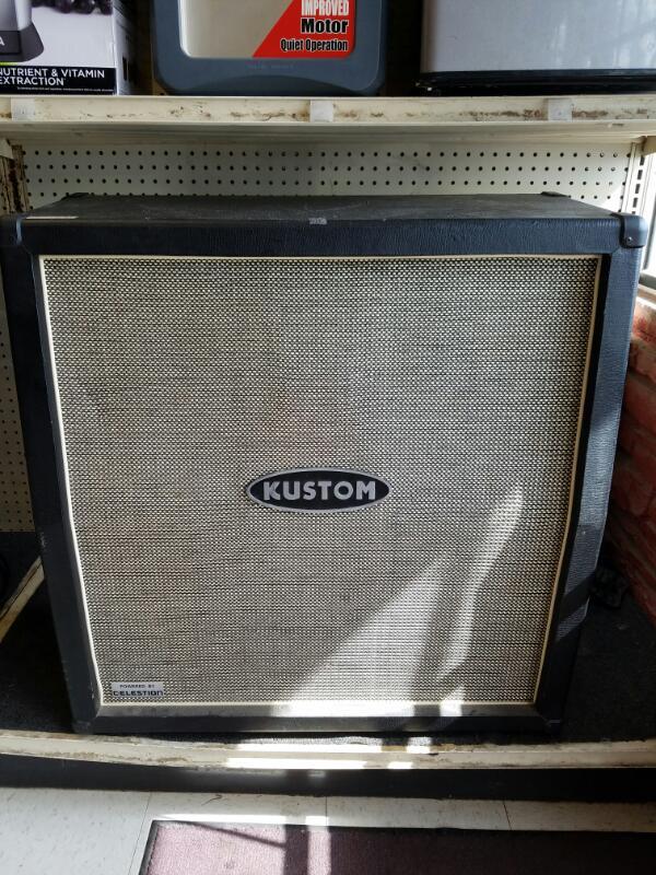 Kustom 4 x 12 Guitar Speaker Cabinet - Model Q412A