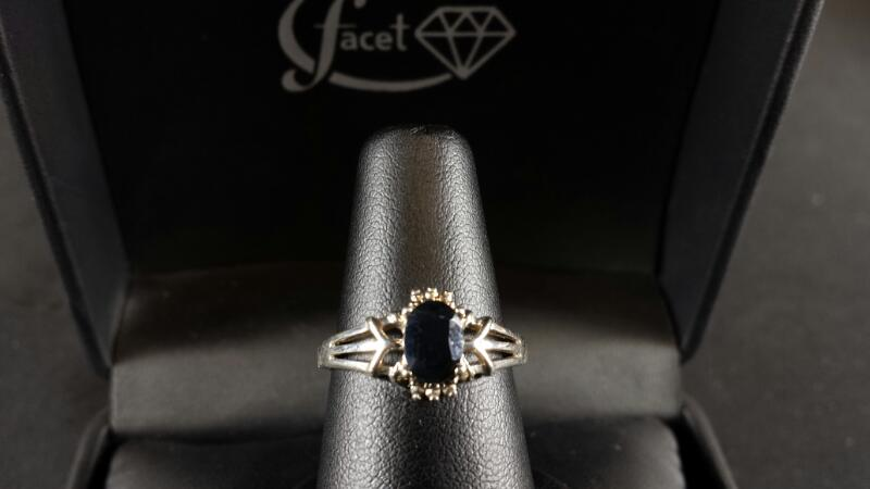 Oval Onyx Lady's Silver Ring 925