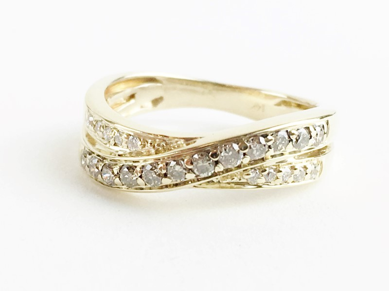 Multi Diamond Ring w 22 Diamonds .22 Carat T.W. 14K 2 Tone Gold 3.03g