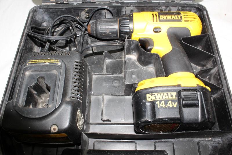 DEWALT Cordless Drill DC728