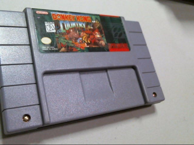 NINTENDO SNES GAME: DONKEY KONG COUNTRY