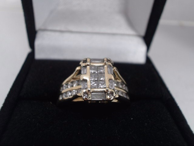 Lady's Diamond Cluster Ring 40 Diamonds .76 Carat T.W. 14K Yellow Gold 6.2g