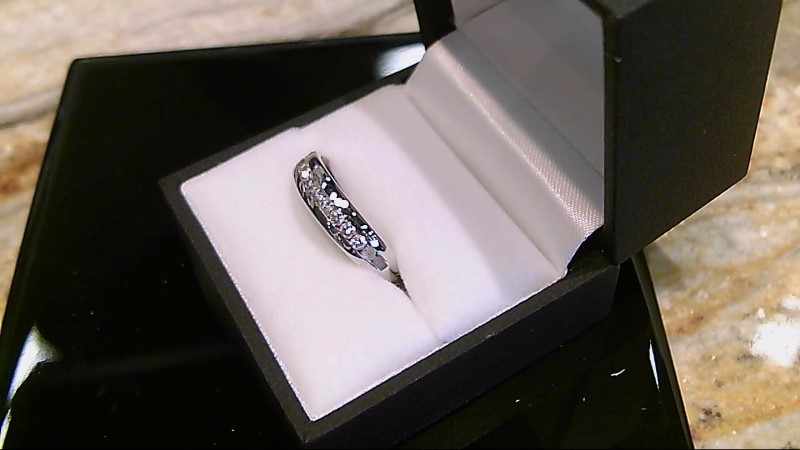 Gent's 14k white gold 2/5ctw (10 round diamonds) wed band