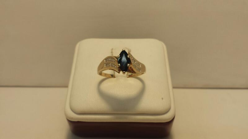 10k Yellow Gold Ring with 1 Blue Stone and 8 Diamond Chips - 2dwt - Size 9