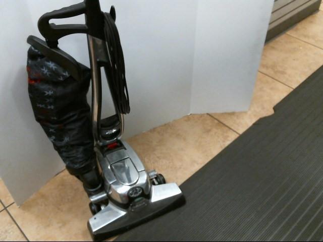KIRBY Vintage Vacuum Cleaner G10D AVALIR