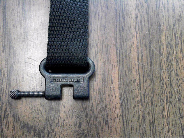 OUTDOOR CONNECTION PADDED SUPER SLING WITH BRUTE SWIVELS