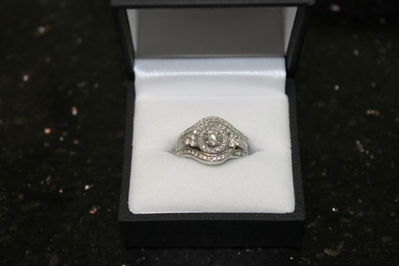 Round Brilliant Cut Diamond 14k White Gold Engagement Ring