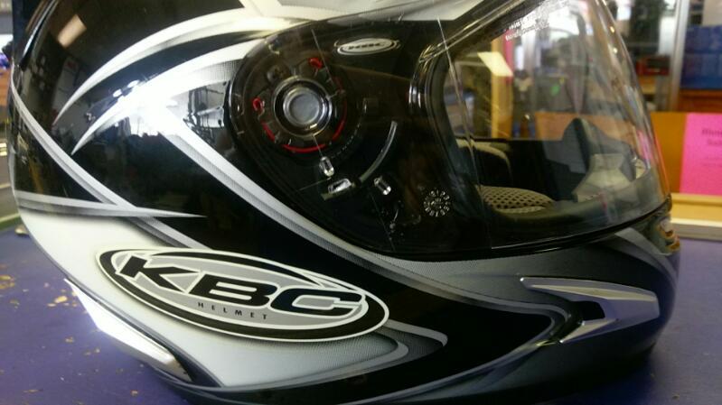KBC MOTORCYCLE HELMET MOTO DESIGN FULL FACE  SZ SMALL 55-56CM