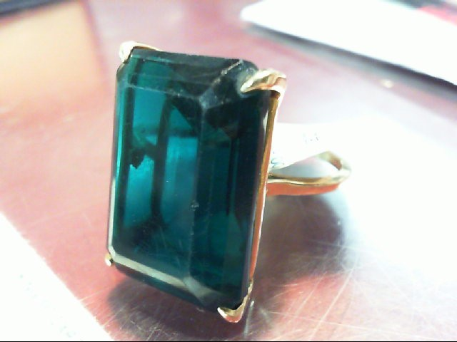 Synthetic Green Stone Lady's Stone Ring 14K Yellow Gold 11.7g
