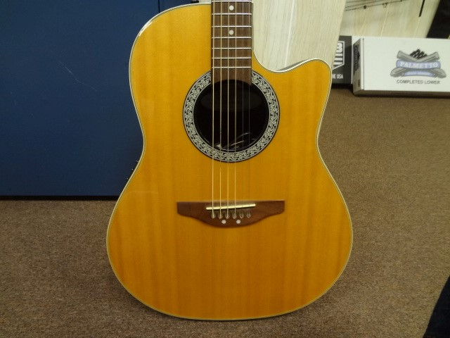 OVATION Electric-Acoustic Guitar CELEBRITY CC026