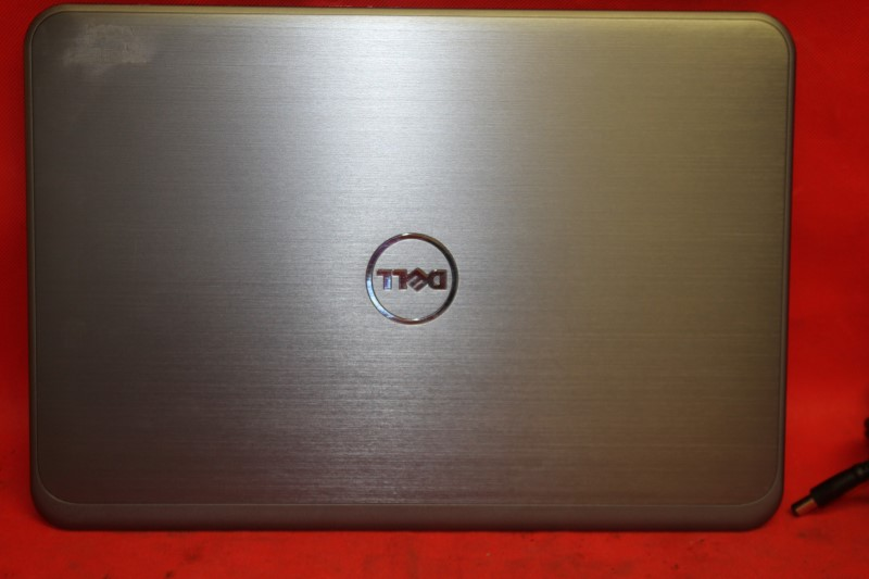 Dell Inspiron 15R-5537(Intel Core i5-4200U, 8GB, 1TB HDD) 1.6 GHz