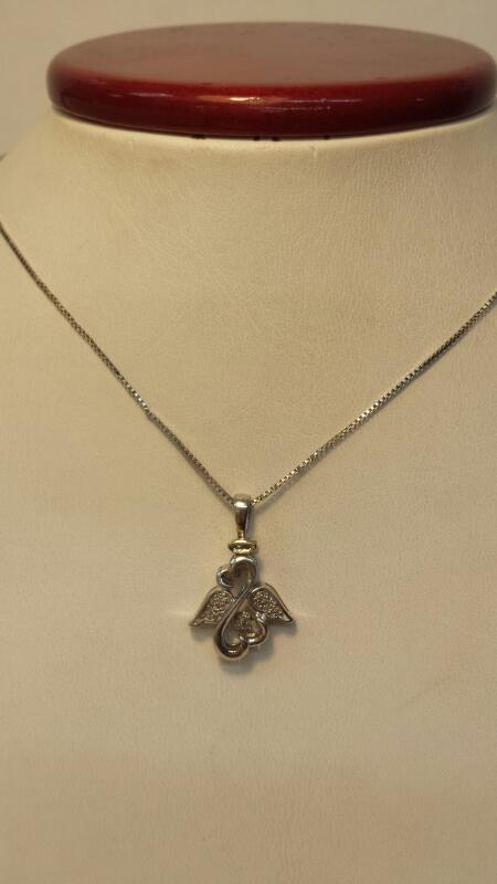 Silver (925) Box Chain and Angel Hearts Pendant with 9 Diamonds -2.2dwt