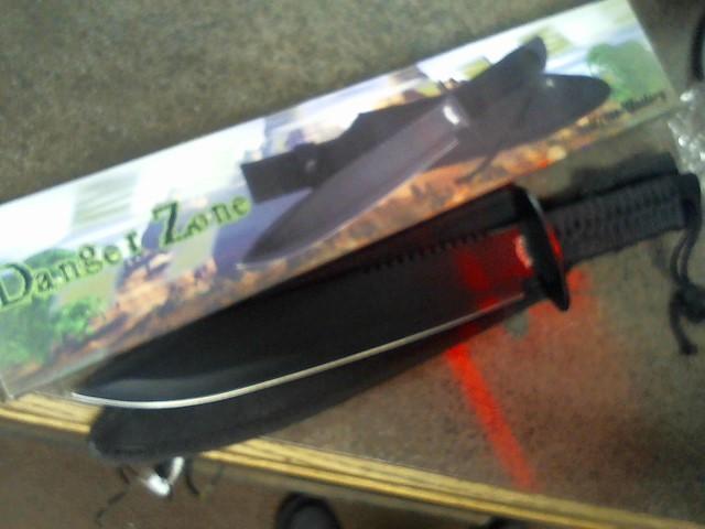 FROST CUTLERY Combat Knife DANGER ZONE