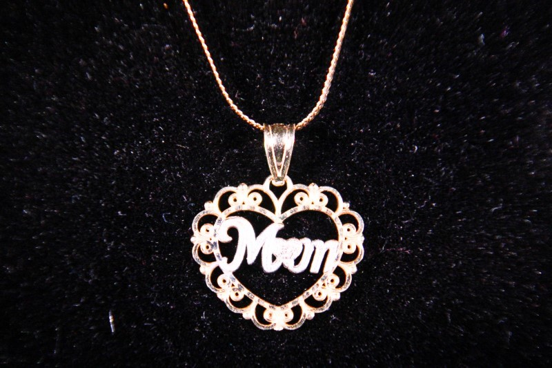 "18"" Diamond Necklace .01 CT. 14K Yellow Gold 1.8g"