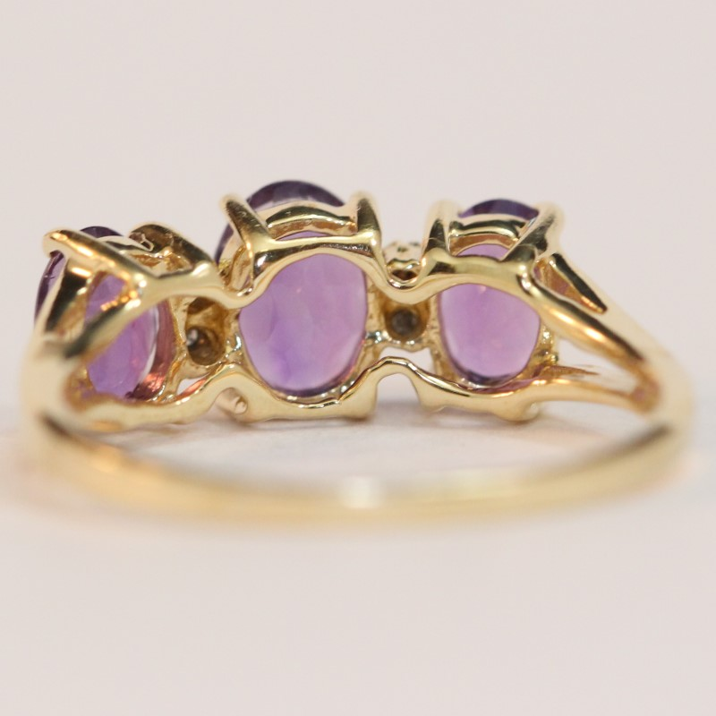 14K Yellow Gold Triple Amethyst Stone Ring Size 6.5