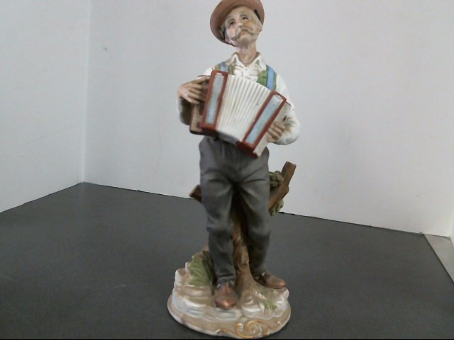NAPCOWARE Collectible Plate/Figurine OLDMAN WITH ACCORDION