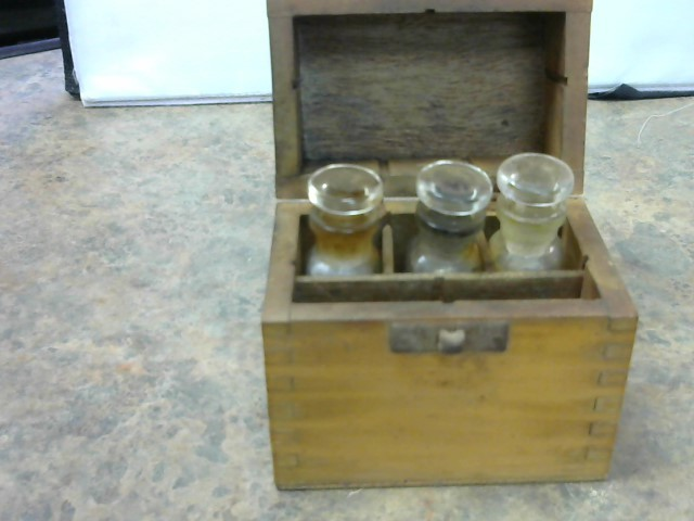 ANTIQUE SESSIONS Glassware GOLD TESTING KIT