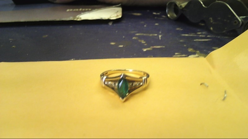 Synthetic Emerald Lady's Stone Ring 10K Yellow Gold 1.8g