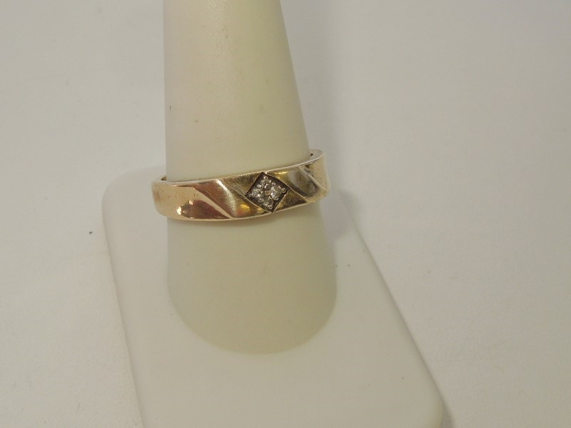 Gent's Diamond Cluster Ring 4 Diamonds .04 Carat T.W. 10K Yellow Gold 4.3g
