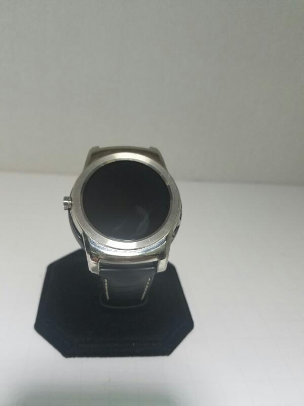 LG SDT-335 WATCH   W/ CHARGER