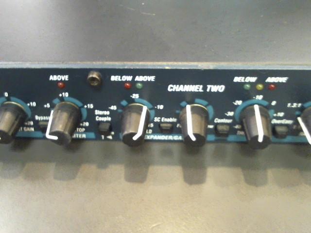 DBX Mixer 166XL