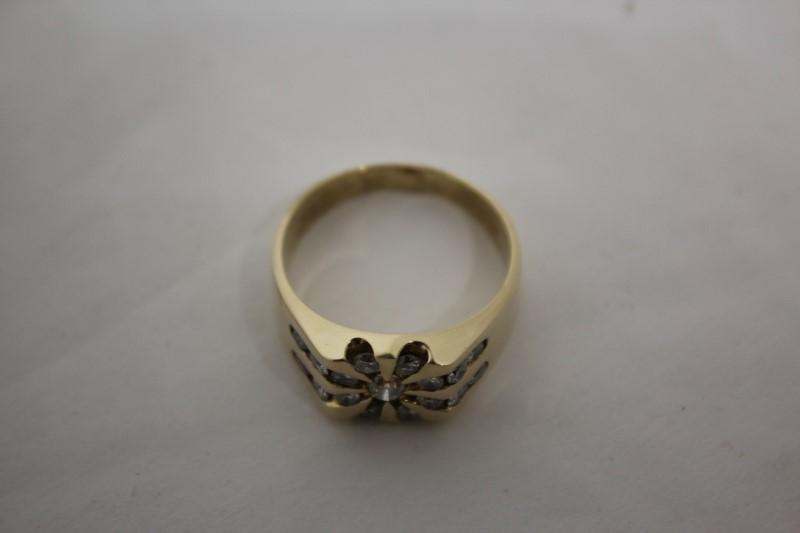 Gent's Diamond Cluster Ring 17 Diamonds 1.11 CTW 14KYG 10.1g Size 10.75