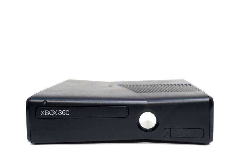 Microsoft Xbox 360 S Model 1439 250GB Matte Black Console Bundle *