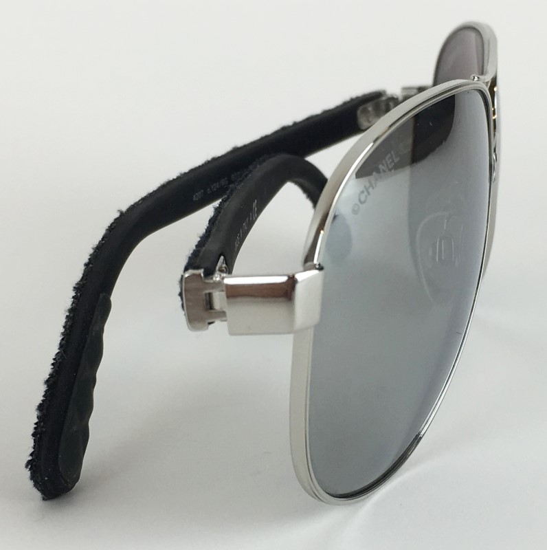 CHANEL BLACK DENIM QUILTED POLARIZED AVIATORS 4207