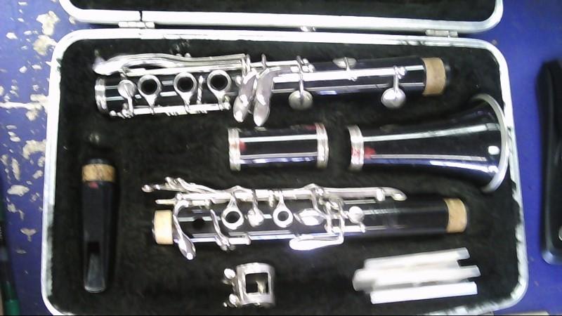 BUNDY Clarinet 557