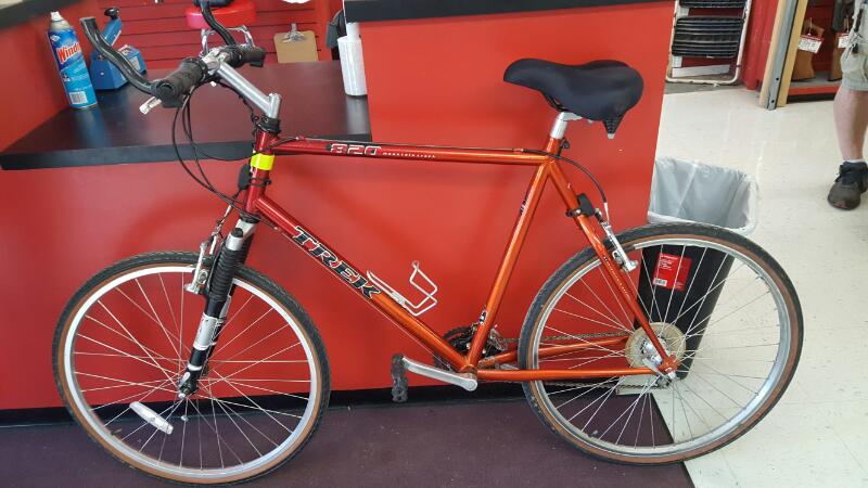 TREK Mountain Bicycle MOUNTAIN TRACK 820